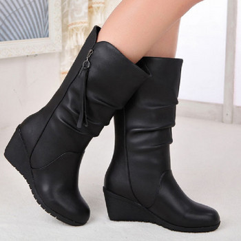 Черни дамски ботуши с платформа и цип