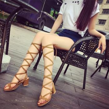 Дамски ежедневни сандали с нисък ток и връзки