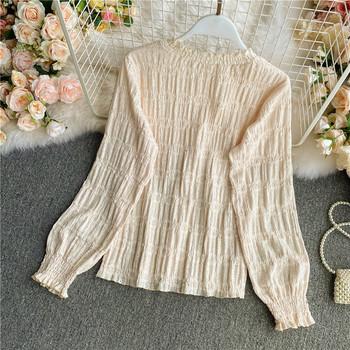 Ежедневна дамска блуза с дълъг ръкав и овално деколте в бежов цвят