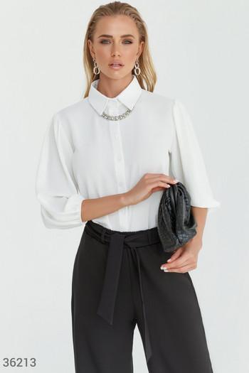 Стилна блуза в бял цвят