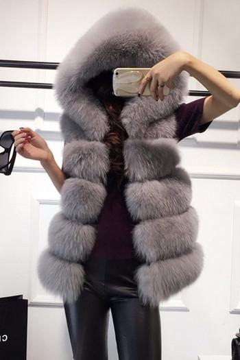 Дамски пухен елек с качулка