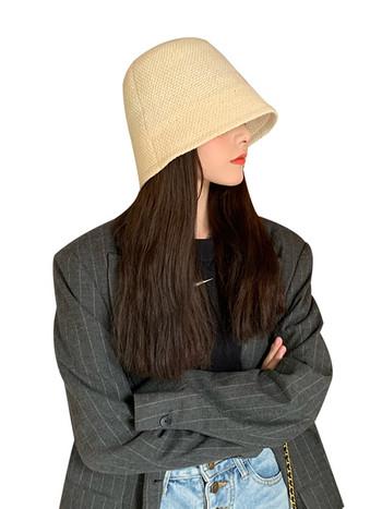 Ежедневна дамска шапка тип идиотка