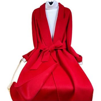 Модерно дамско палто с колан и дълъг ръкав