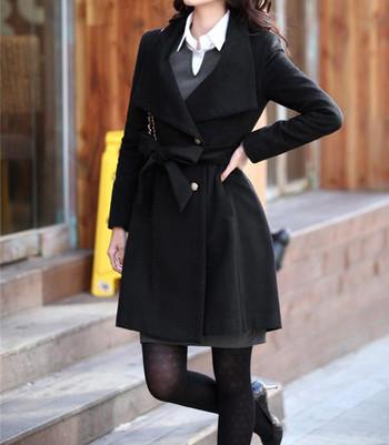 Дамско елегантно палто с копчета и колан