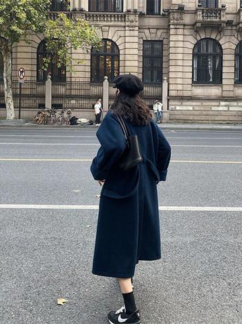 Стилно дамско вълнено палто с копчета