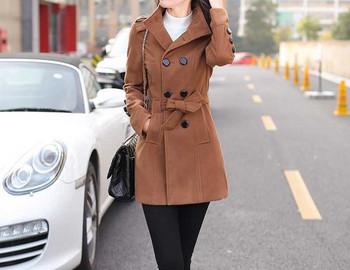 Дамско вталено есенно-зимно палто с двуредно закопчаване и колан