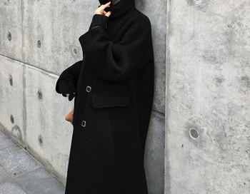 Дълго зимно палто с копчета и джобове в черен цвят