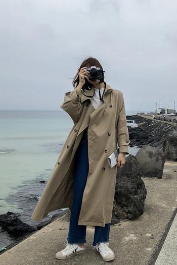 Дълъг дамски шлифер с копчета