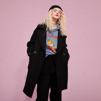 Ежедневно дамско палто с колан и джобове в черен цвят