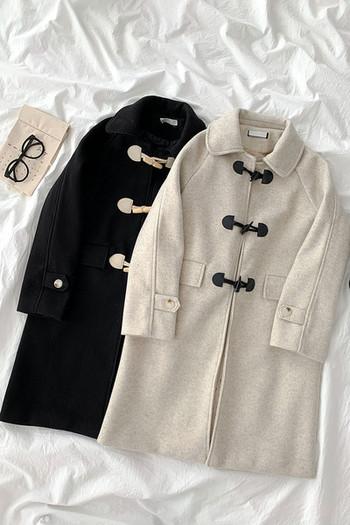 Дълго дамско палто с копчета и дълъг ръкав