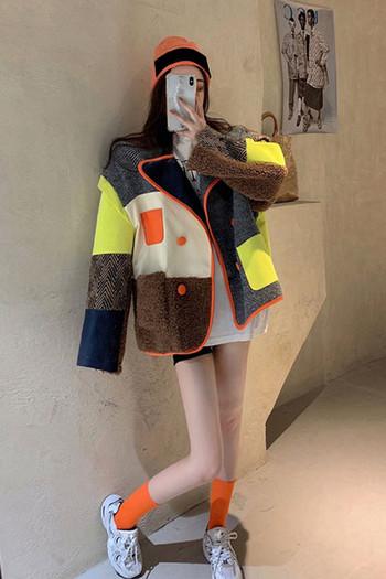 Нов модел цветно дамско палто широк модел с класическа яка