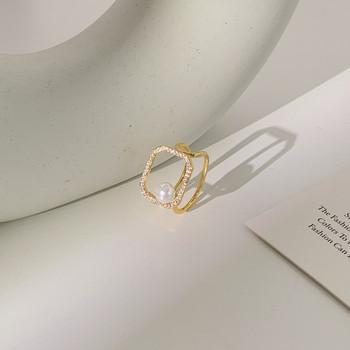 Актуален дамски пръстен с декоративна перла