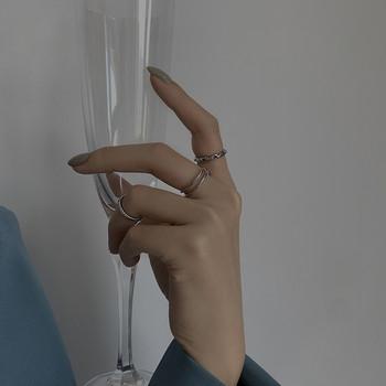 Комплект от три дамски пръстена изчистен модел