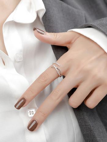 Ежедневен дамски пръстен в различни форми с камъни