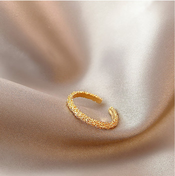 Стилен дамски пръстен изчистен модел