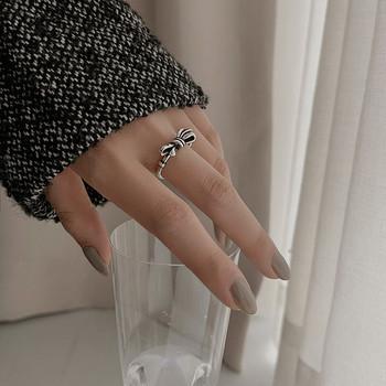 Актуален дамски пръстен с панделка