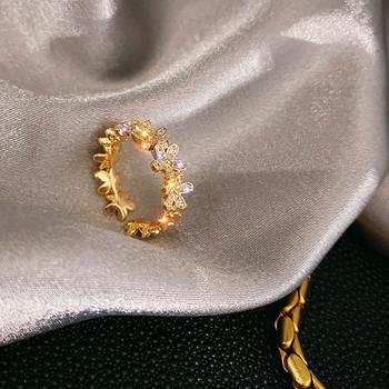 Модерен дамски пръстен с пеперуди и камъни