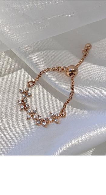 Стилен дамски тънък пръстен с декоративни камъни