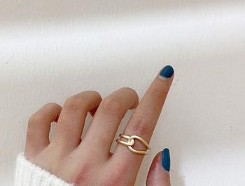 Дамски актуален пръстен изчистен модел