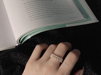 Ежедневен дамски широк пръстен с декоративни перли