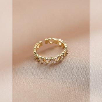 Стилен дамски пръстен със сърца и декоративни камъни