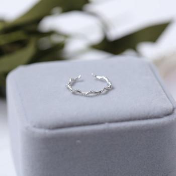Дамски стилен пръстен тънък модел