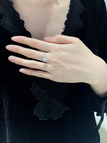 Елегантен дамски пръстен тънък модел с камъни