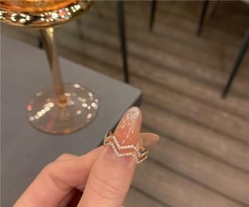 Ежедневен дамски модерен пръстен с камъни