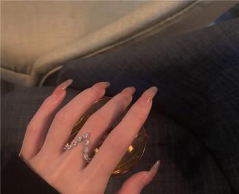 Ежедневен дамски пръстен тънък модел с камъни