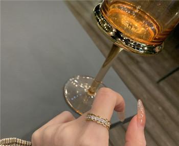 Дамски елегантен пръстен тънък модел с декоративни камъни