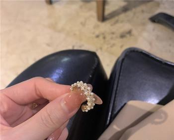 Дамски актуален пръстен широк модел с декоративни перли