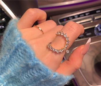 Актуален дамски пръстен широк модел с декоративни камъни