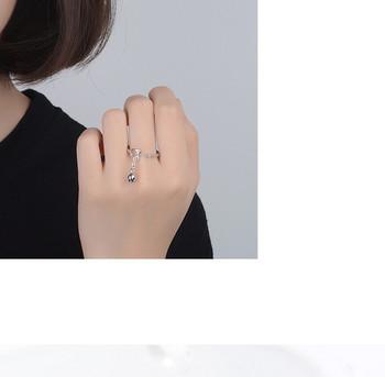 Дамски актуален пръстен тънък модел с висулка