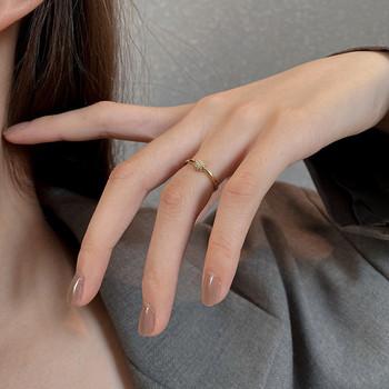 Стилен дамски тънък пръстен изчистен модел