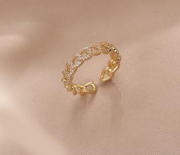 Елегантен дамски пръстен тънък модел с декоративни камъни