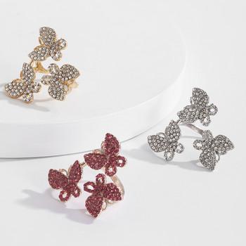 Модерен дамски пръстен с три пеперуди и декоративни камъни