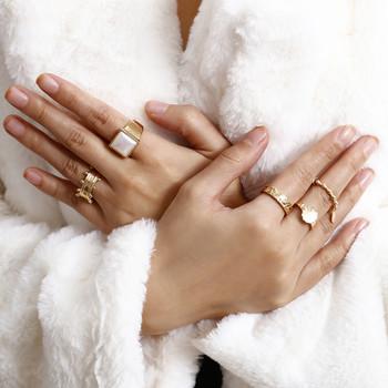 Стилен дамски комплект от пет пръстена изчистен модел