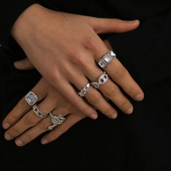 Актуален комплект от шест дамски пръстена с декоративни камъни
