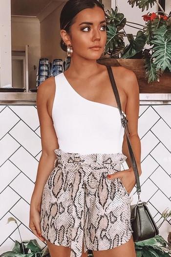 Нов модел модерно дамско боди с една презрамка