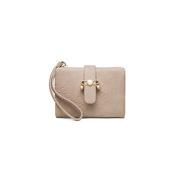Γυναικείο πορτοφόλι με φερμουάρ και μεταλλική διακόσμηση