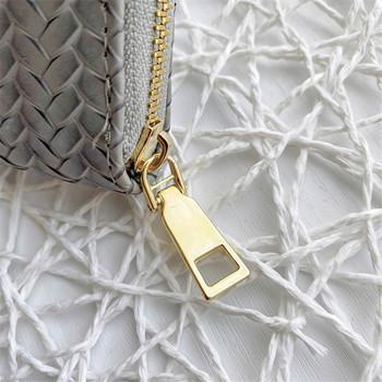 Γυναικείο πορτοφόλι σε διάφορα χρώματα - κλείσιμο με φερμουάρ