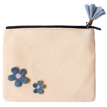 Γυναικείο πορτοφόλι από οικολογικό δέρμα με στοιχεία 3D και φερμουάρ