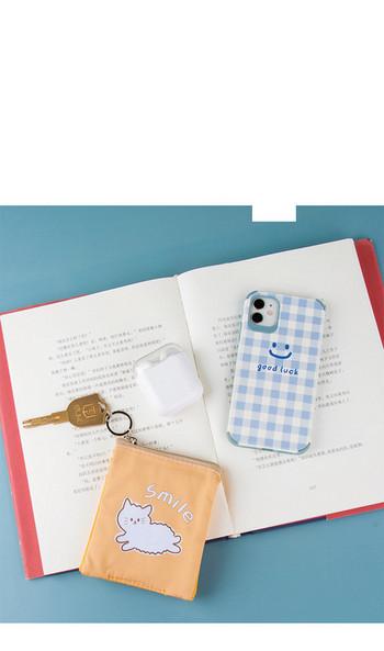 Γυναικείο μικρό πορτοφόλι με φερμουάρ και απλικέ