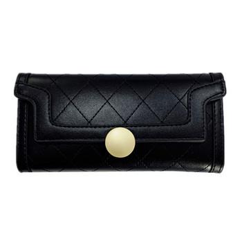 Πορτοφόλι με μεταλλική στερέωση σε μαύρο χρώμα