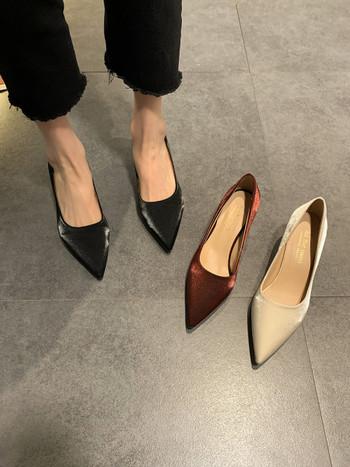 Стилни дамски обувки с тънък 5см ток