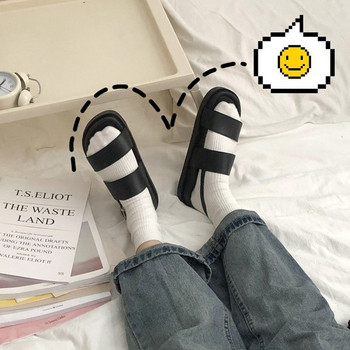 Дамски гумени сандали в черен цвят
