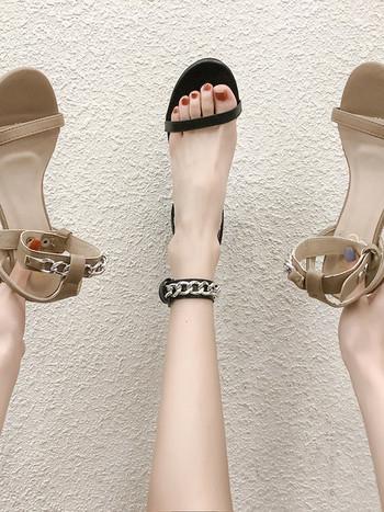Модерни дамски сандали с дебел 5см ток и метални верижки