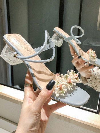 Дамски сандали с декорация цветя и дебел 5см ток