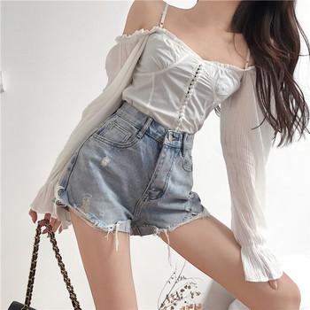 Дамски къси панталони с надпис на единия крачол