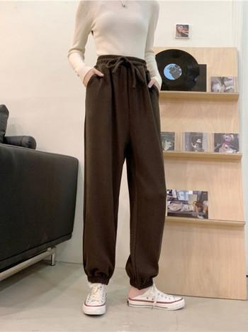 Дамски модерен спортен панталон с ластична талия